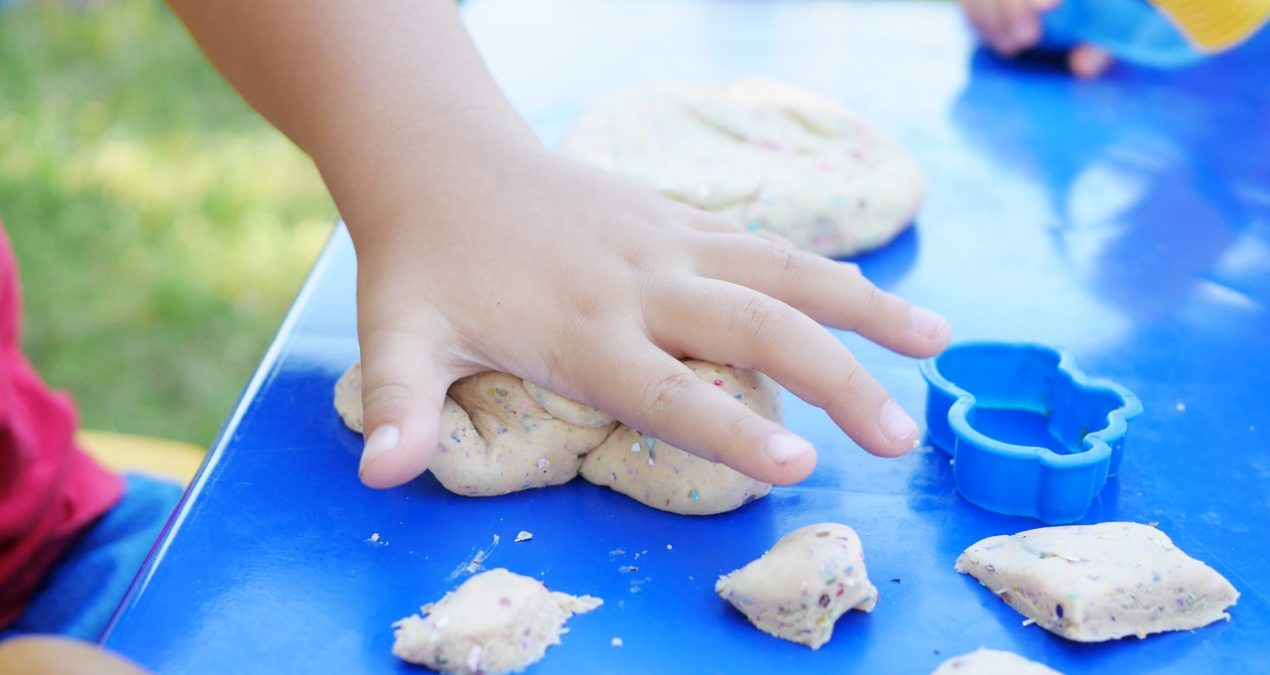 "Parenting: Importance of ""Messy Play"" for a child's development"
